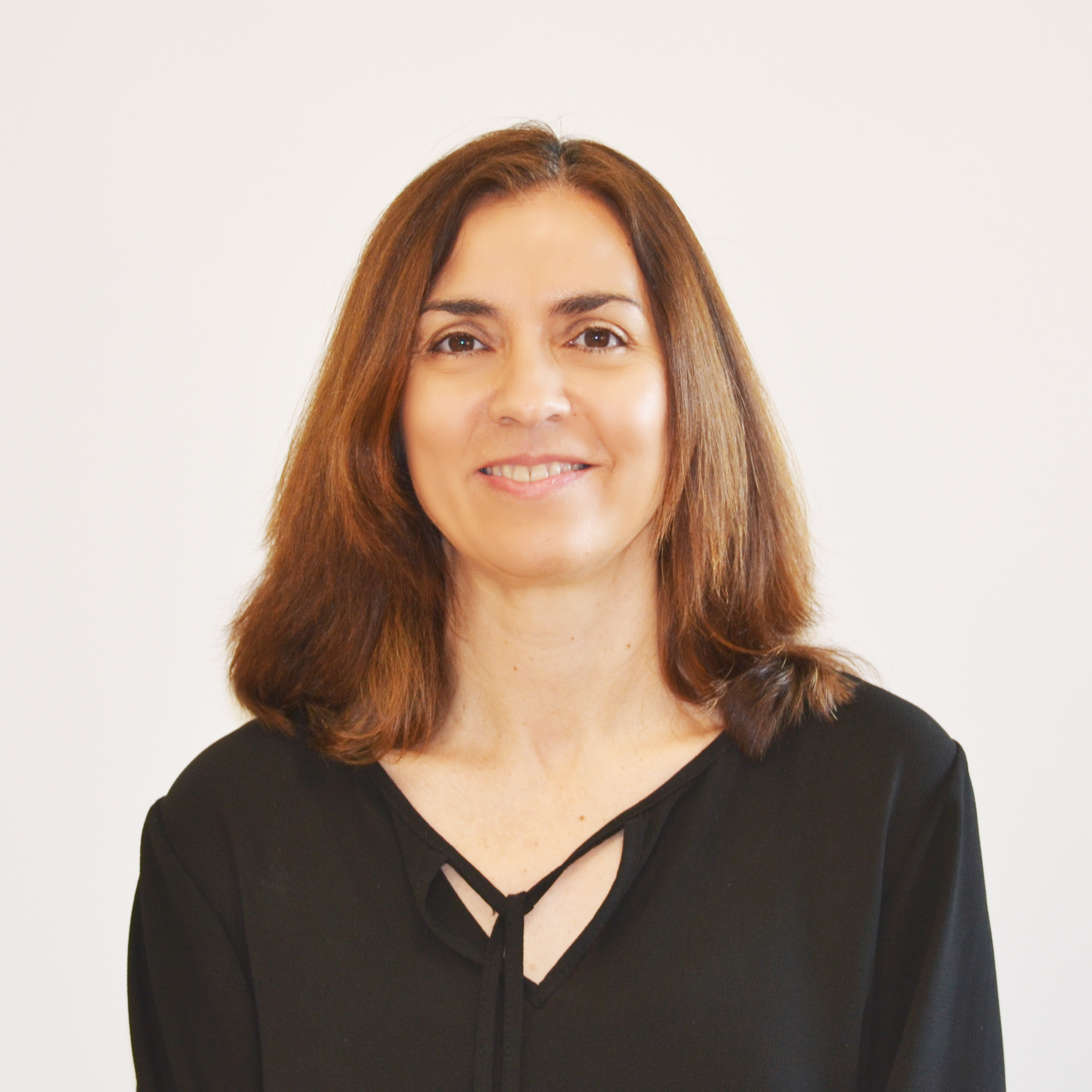Raquel  Carrasco : Associate Professor