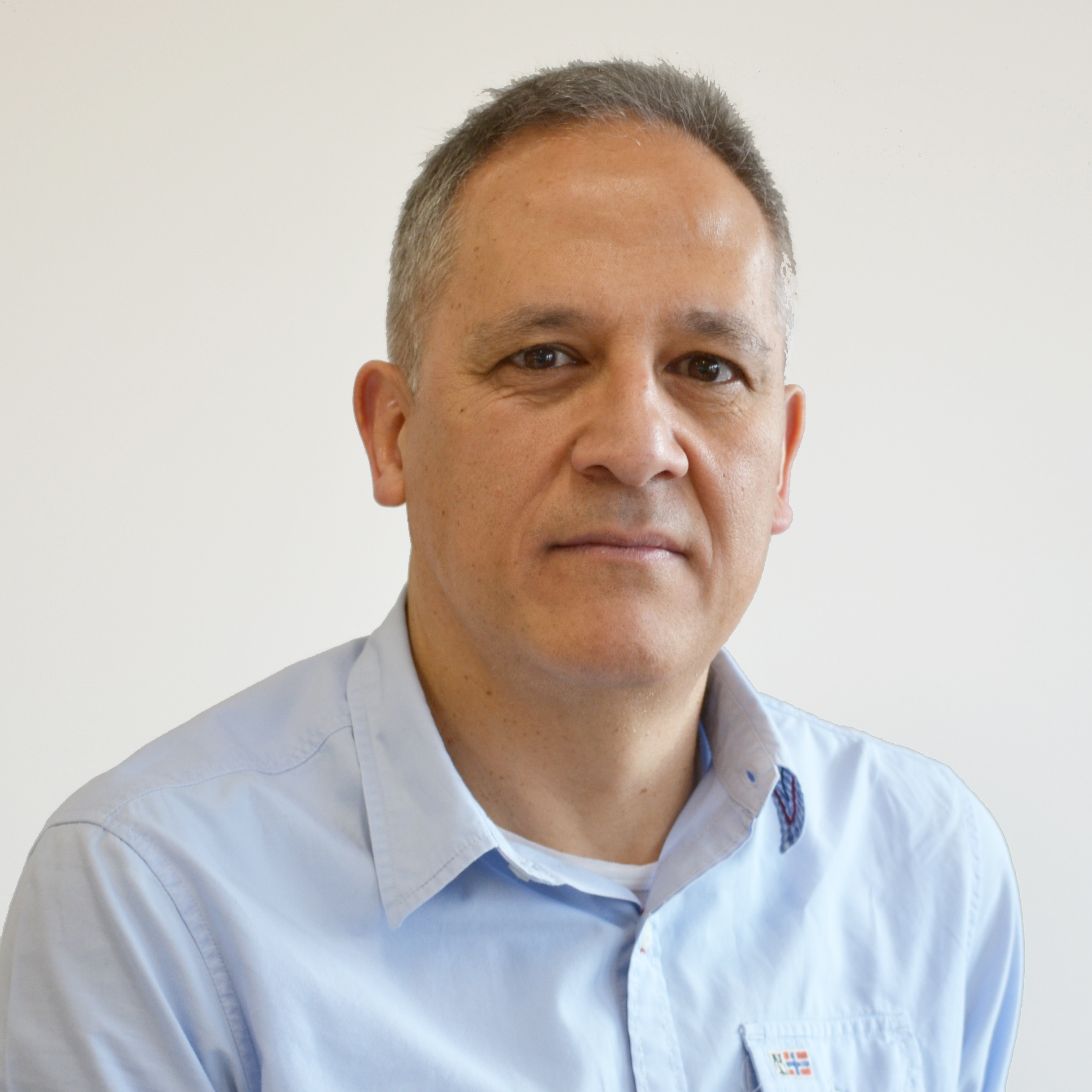 César Alonso-Borrego : Associate Professor